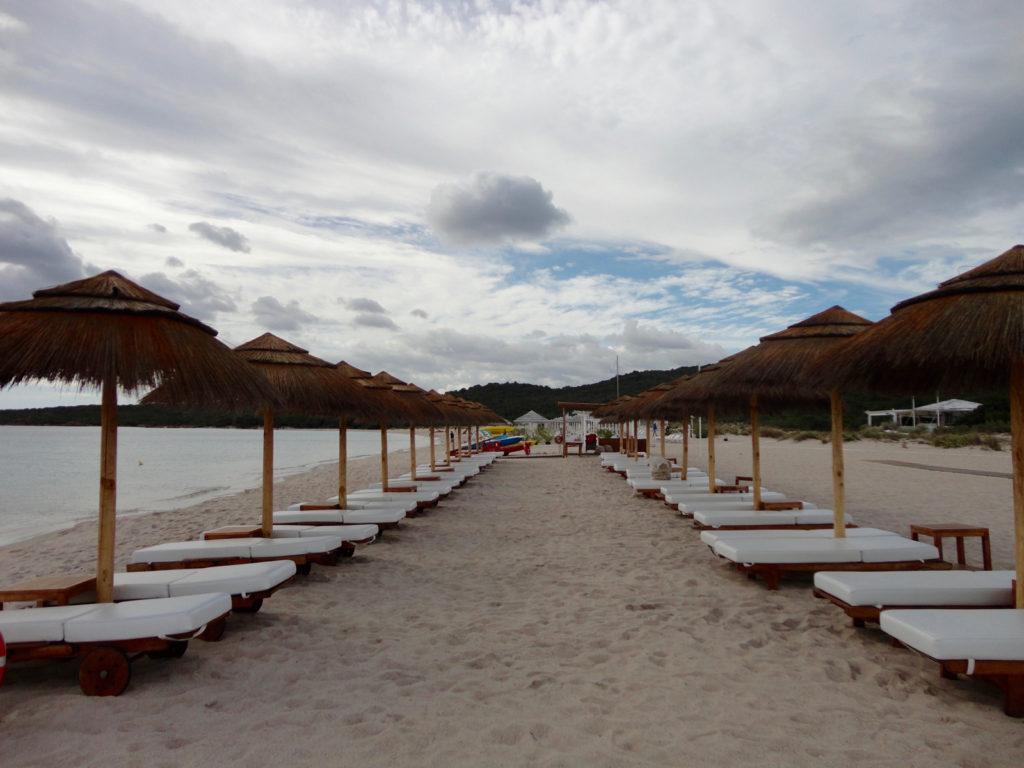 001-spiaggia-liscia-ruja